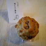 ほとりの商店 - 甘納豆とほうじ茶のマフィン
