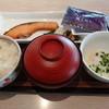 デニーズ - 料理写真:焼き鮭朝食(617円)