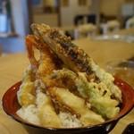 天ぷら海鮮 五福 - 裏側から。