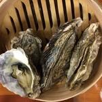 かき小屋フィーバー - 牡蠣のセイロ蒸し