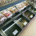 中山豆店 - 懐かしい菓子ケース