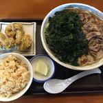 さぬきうどんのたぬき - 肉わかめうどんかやくごはんセット+かしわ天ぷら小