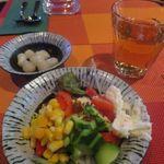 DINING BAR BBC - セルフのサラダ、らっきょう