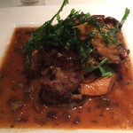 ガンボ&オイスターバー - 牡蠣とフィレ肉のステーキ