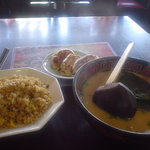 中国家庭料理 家京 - 中華満腹三点セット(老タンラーメン+半チャーハン+焼き餃子)
