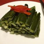 32328404 - 辣拌黄瓜(きゅうりの甘酢漬け):1,400円