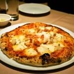 イルバンボリーノ - 小海老とマスカルポーネチーズのピッツァ(1,600円)