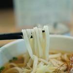 むさしの エン座 - 麺のアップ 全粒粉