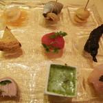 レストランMOMO - 9色のパレット!