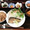毎日ごはん - 料理写真:懐石風定食 (写真に写ってませんが味噌汁も付きます)