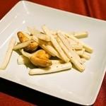 中華 うずまき - マコモとひしの実炒め