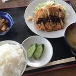 和 - とんかつ定食(630円)