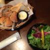 CAFE GALLERY 風 - 料理写真:ランチのパンとサラダ!