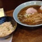 らーめん 八坪屋 - Aセット880円:醤油ラーメン+ミニチャーハン