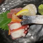 牛タン圭助 - 鮮魚のお造り5点盛り