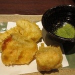 牛タン圭助 - サケと里芋の天ぷら