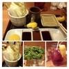 新宿 立吉 - 料理写真:お野菜とソースのセット。野菜は追加できますが、料金が加算されるかは不明。多分無料だと思いますけれど。