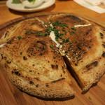 Bakery&Trattoria ISAMU - 両面焼きのピッツア!?
