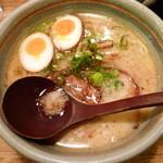 麺屋 あまのじゃく - とんこつ塩(H26.11.12)