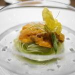 トムクリオーザ - パスタ3皿。まずはカッペリーニ。キュウリの絞り汁でパスタを色付け。