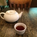 CHINA  MAPLE CAFE 明楓 - 料理写真:お茶がポットで出ます