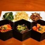生粋 - 前菜(キムチとナムル)
