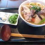 釜揚げうどん 鈴庵 - 大和野菜のしっぽくうどん