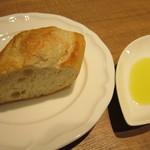 ルセット - パスタの前にパンを