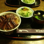 関辻屋 - 2500円、肝吸い(100円プラスご飯普通!!ご飯の量が多すぎます??