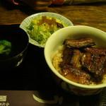 関辻屋 - 2000円、ご飯少な目!!これで、鰻とご飯のバランスがベストマッチ??