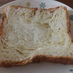 モンシェール - トーストしたデニッシュ食パン