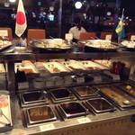 レストラン ストックホルム - 手前は温かいお料理が並んでいます