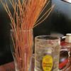 Aburidainingusouen - 料理写真:とりあえず、ハイボール。 お通しはパスタの素揚げ。ほんのり塩味がします。