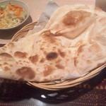 インド料理パラカス - ナンですよ