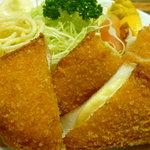 加賀屋 - チーズカツ