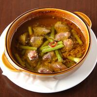 MOANA Dining - 砂肝とニンニクの芽のアヒージョ