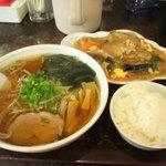 新華苑 - 料理写真:11月18日の日替わり定食850円