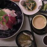みはらし - 海鮮丼(真上)