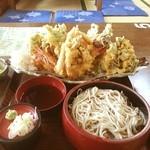 そば処 おおほり - お薦め 天ぷらそば自慢【手打ちそば処 おおほり】普通普通盛りの天ぷらそば♪