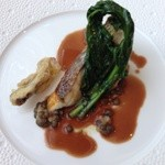 32812973 - 本日の魚料理 真鯛のソテー レンズ豆と舞茸のフリットとともにバルサミコビネガーのソースで