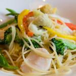 La Bazza - 生帆立と季節の野菜のスパゲッティ