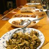 山き - 料理写真:手料理がずらりと