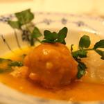 トゥーランドット - 黒豚肉団子を蕪・にんじん・上海蟹のスープでいただきます