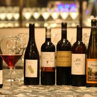 イタリア各地のナチュラルワインと料理のマリアージュ