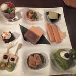 伊右衛門サロン - 伊右衛門の松花堂おやつ1800円