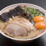 黒亭 - 玉子入りラーメン 900円