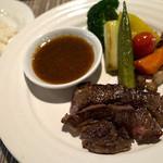 レストランITOSHIMA - 「サーロインステーキ糸島野菜添え」(1,900円+税)。お肉もお野菜もバツグン。