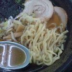 国見サービスエリア(上り線)スナックコーナー - 喜多方ラーメン 麺&汁アップ (フラッシュ無)
