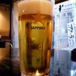 御影倉庫 - 今日もワンコインサービスの利用です。ここの生ビールは美味しそうでしょ。この泡とグラスを見れば分かりますよね。激旨ですよ。