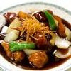 ゆるり 中華食堂 癒食同源 - 料理写真:豚肉と根菜の黒酢酢豚 680円